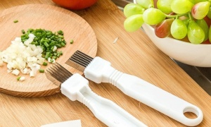 Kitchen Slicing and Decorating Aid